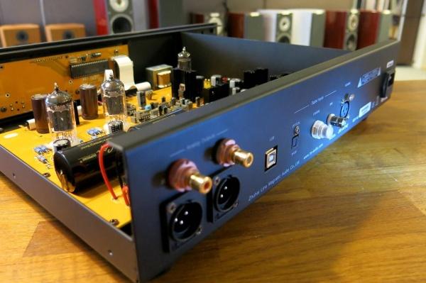 ממיר דיגיטלי מנורות Line Magnetic LM-32 DAC